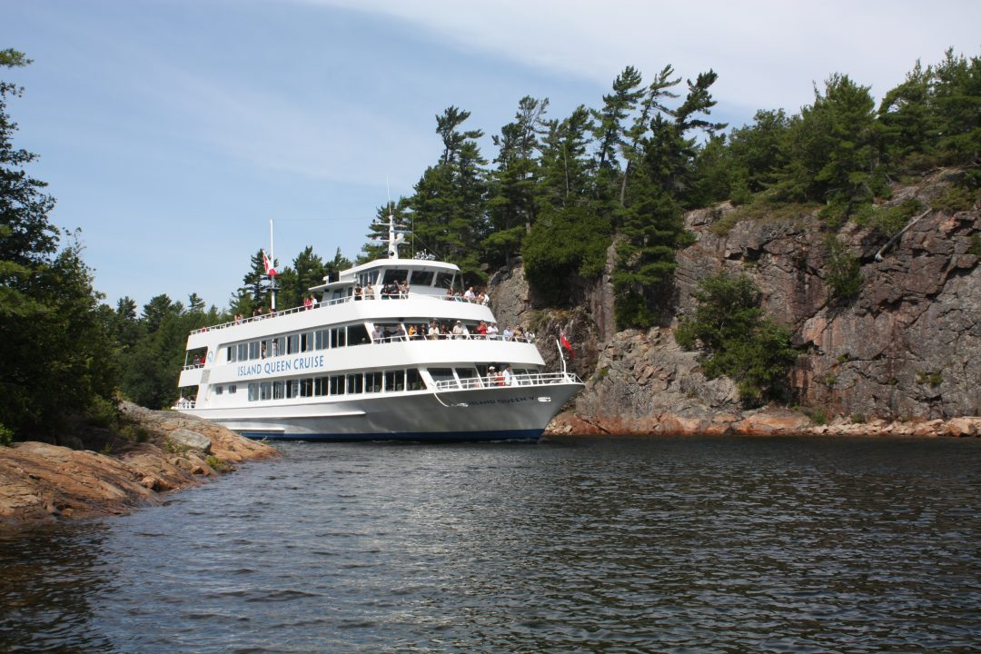 Island Queen at Hole in the Wall Parry Sound
